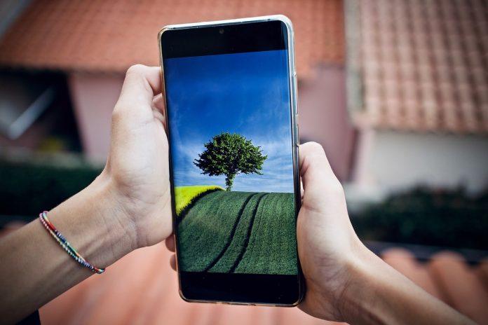 Cara Membersihkan Silikon Handphone Yang Menguning